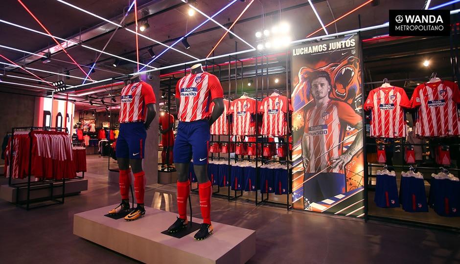 adc9f1bb1ede7 Puedes comprar camisetas de fútbol para todos los equipos de Madrid en sus  respetadas tiendas de Club