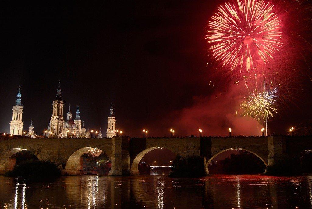 Fiestas_del_Pilar_(fuegos_artificiales)