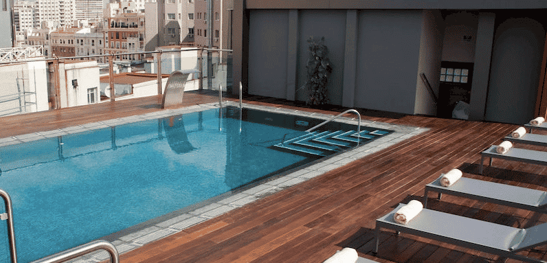 Dive in madrid 39 s pools are open citylife madrid for Best pool design 2015