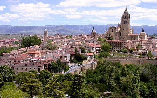Exploring Le U00f3n Citylife Madrid