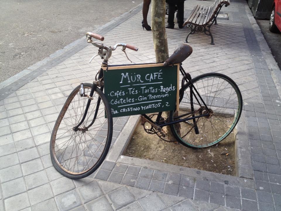 mur-cafe-1
