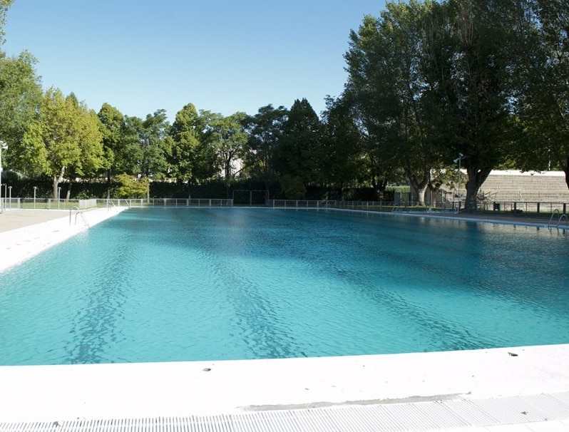 The best pools in madrid for Piscina complutense