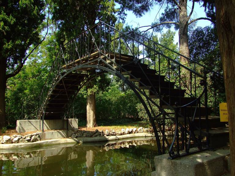 10 unique things to do in madrid citylife madrid - Jardines puente cultural ...
