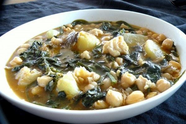 Traditional easter cuisine in spain citylife madrid - Potaje de garbanzos con bacalao ...